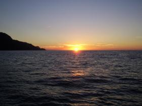 J8 21 coucher soleil sur bateau